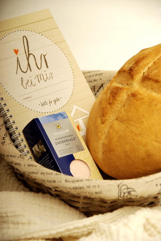 Umzug glasgefluester - Brot und salz gott erhalts ...